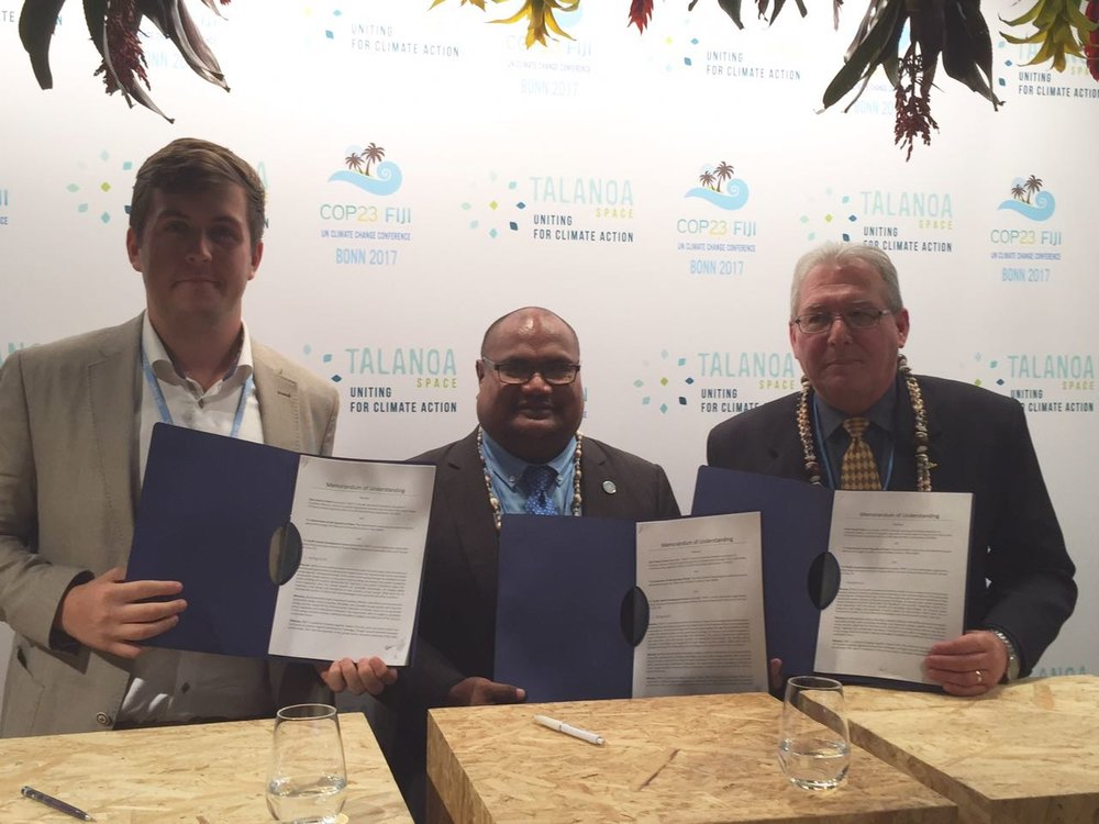 Presenting the signed MOU between SHOS, Palau and PIDF. From left to right: James Ellsmoor (SHOS), Palau Environment Minister Umi Sengebau, François Martel (PIDF).