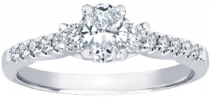Oval+Cut+0.74+ctw+VS2+Clarity,+I+Color+Diamond+Platinum+Ring.jpg