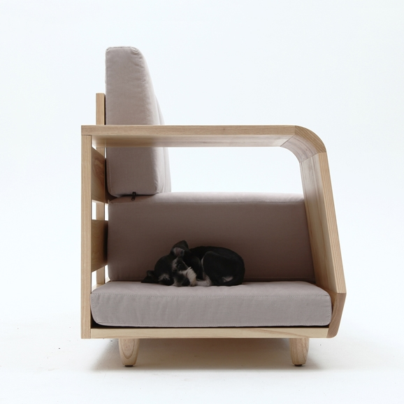 dog_house_sofa_08.jpg