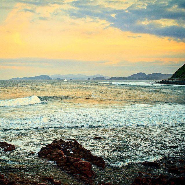 Nichinan afternoons ... . #nimar #日本 #日本サーフ #サーフィン #日本サーフィン #宮崎 #宮崎サーフィン #宮崎サーフ #japan #japansurf #japancool #sea #sk8 #surf #surfer #japansunrise#oceans #openwater#optoutside #outdoorpassion #travelphotography #bmx #japansunset #yoga #wanderlust #grom #oceans #openwater #optoutside #mynikonlife