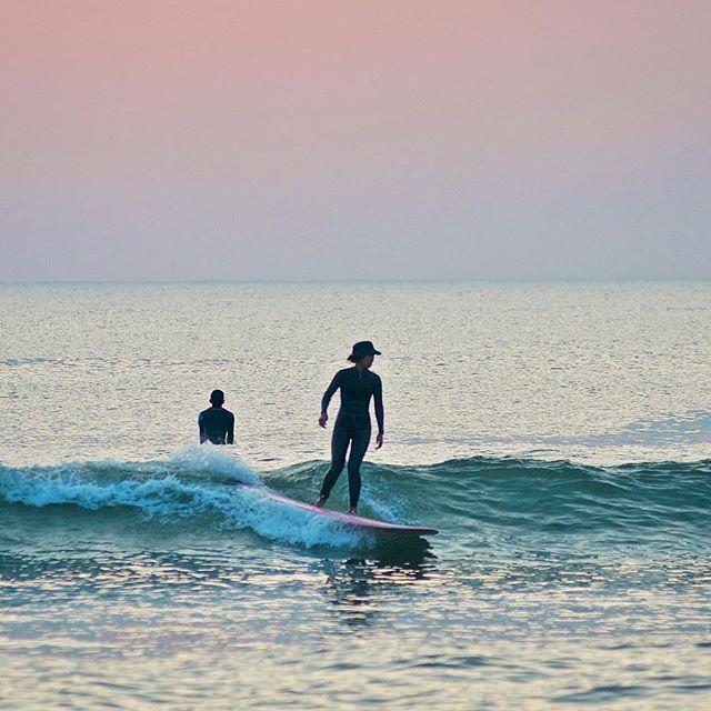 Black hats at Dawn !! Pink Dawn Pink Board , Maybe Kumi ? @. #nimar #日本 #日本サーフ #サーフィン #日本サーフィン #宮崎 #宮崎サーフィン #宮崎サーフ #japan #japansurf #japancool #sea #sk8 #surf #surfer #japansunrise#oceans #openwater#optoutside #outdoorpassion #travelphotography #bmx #japansunset #yoga #wanderlust #grom #oceans #openwater #optoutside #mynikonlife