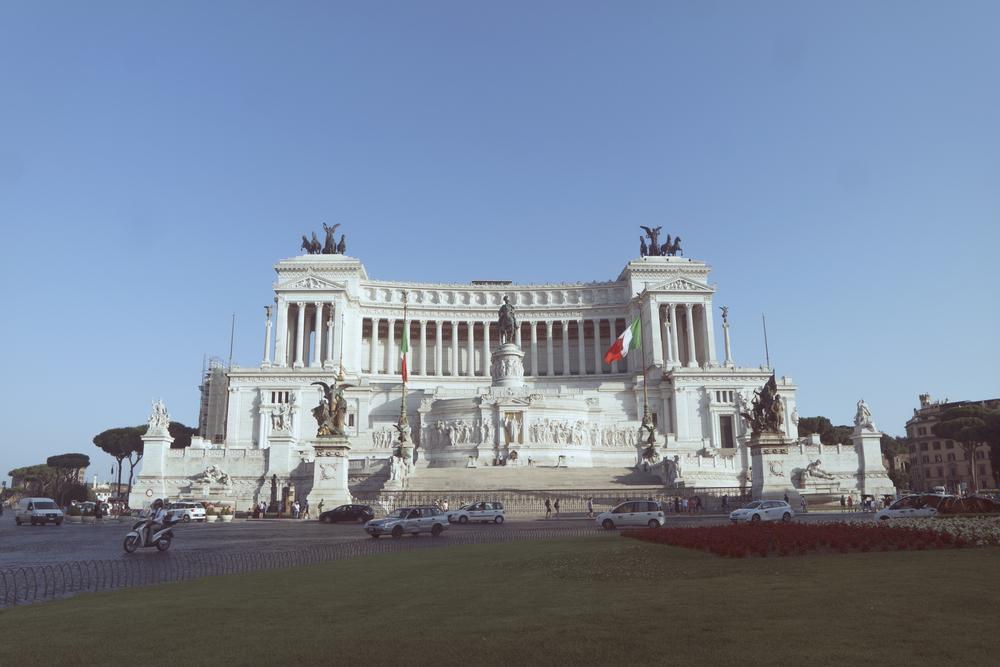 Altare della Patria. Un humilde monumento a Vittorio Emanuele II, el primer rey de una Italia unificada.