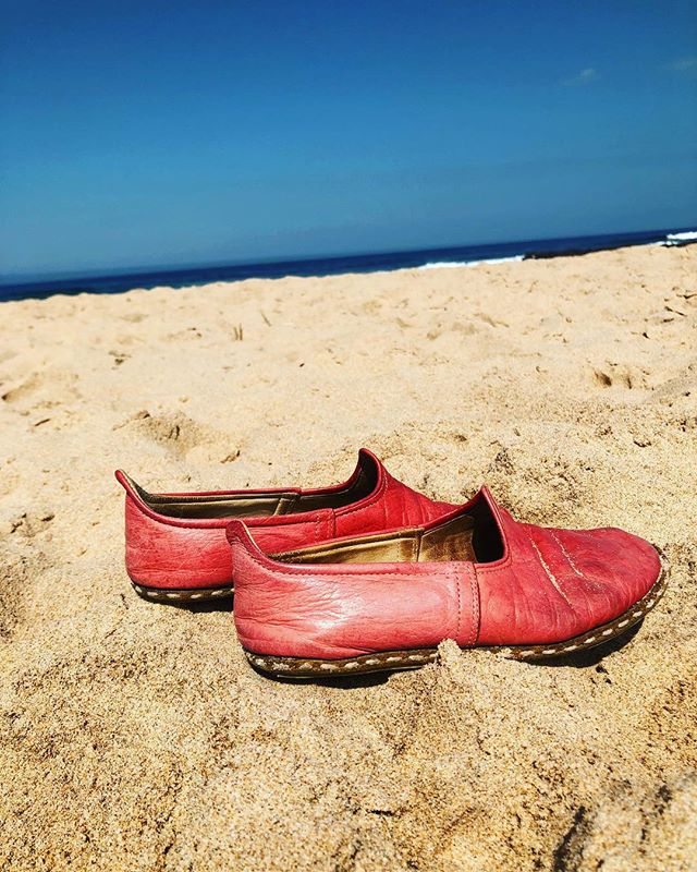 NALU's in their natural habitat! . . . . #handmade #leather #shoes #espadrilles #leatherespadrilles #beach #surflife #beachlife #praia #playa #portugal