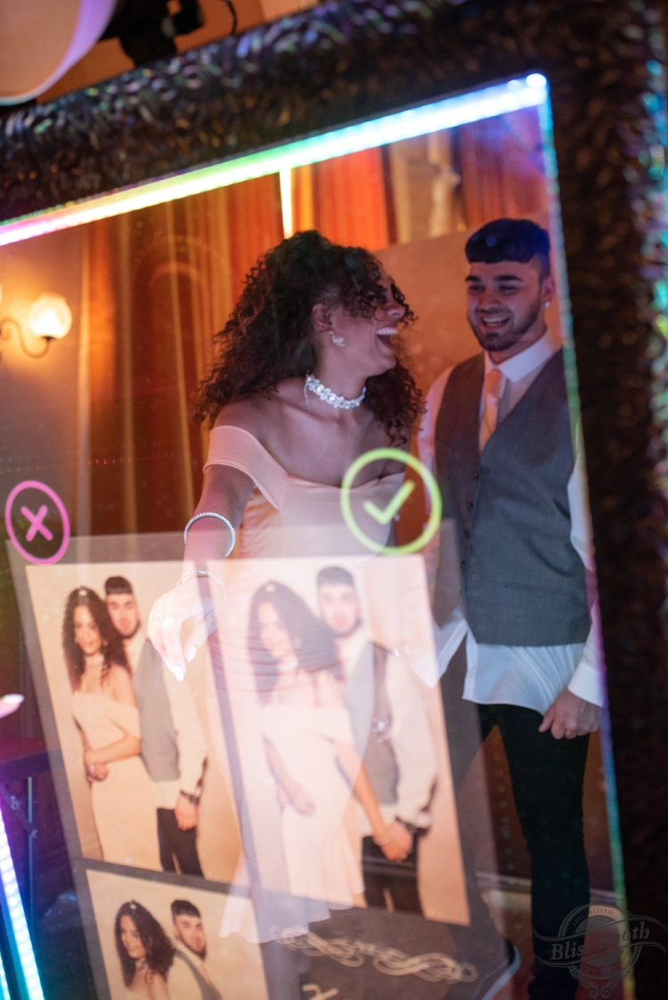 Magic mirror for hire in doncaster