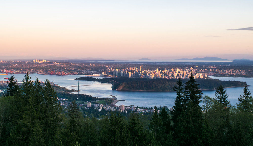 The Cypress Mountain lookout provides fabulous views over the city of Vancouver,Stanley Park and the Lions Gate Bridge.