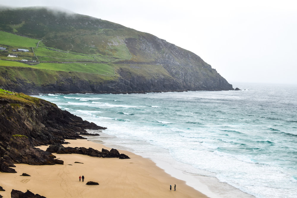Beach on the Dingle Peninsula. Driving from Killarney to Dingle, County Kerry, Ireland.