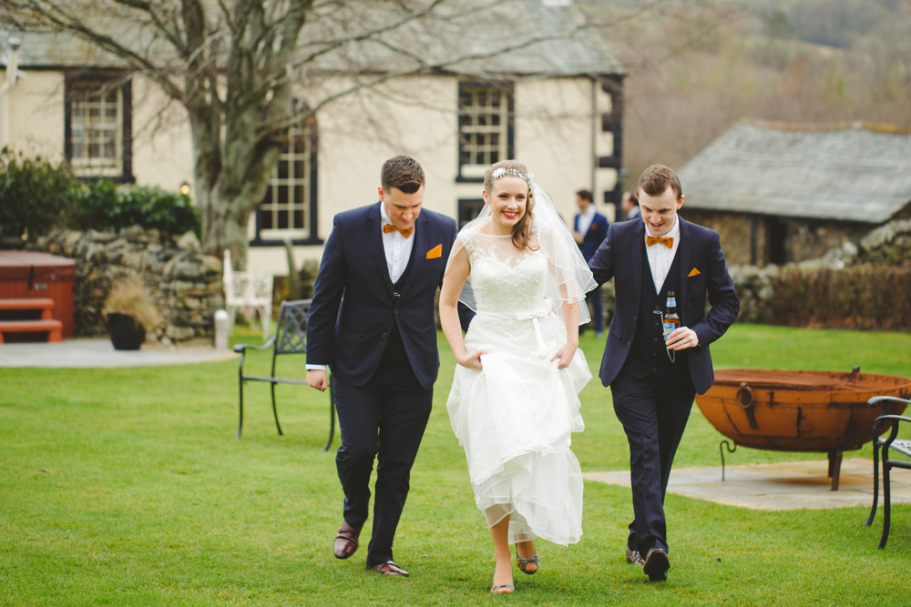 alternative-wedding-photographer-uk-camera-hannah-6.jpg