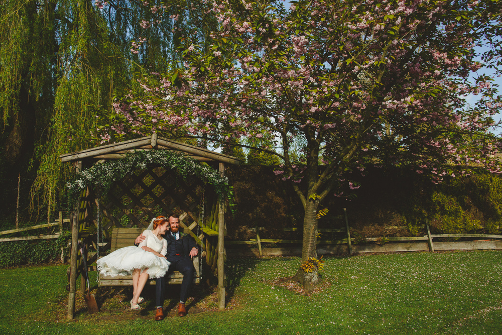 creative-informal-wedding-photographer-uk-camera-hannah-18.jpg