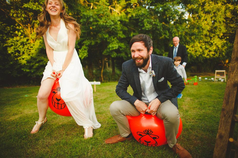 derbyshire-wedding-photographer-carsington-filmmaking-tipi-