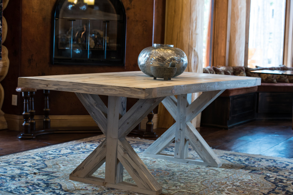Glacier  Click the image to enter the Shop and view the different sizes and stain colors in the Glacier table