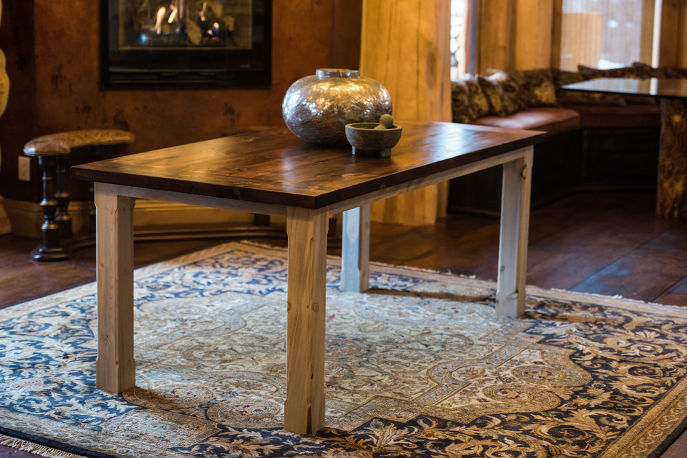Willow  Click the image to enter the Shop and view the different sizes and stain colors in the Willow table