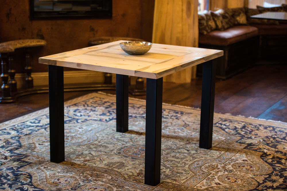 Lead King  Click the image to enter the Shop and view the different sizes and stain colors in the Lead King table