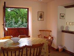 dining2_250_190.JPG