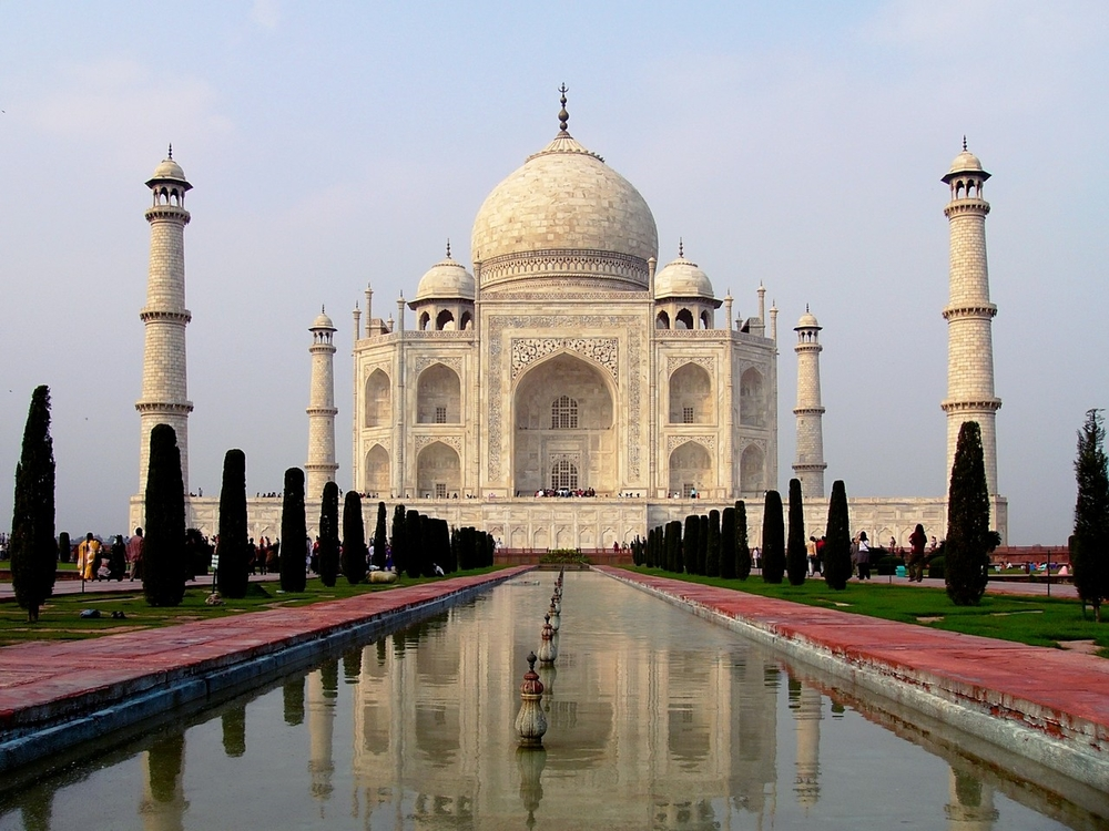 Click on the image above to find out more about our luxury wonders trips to India.