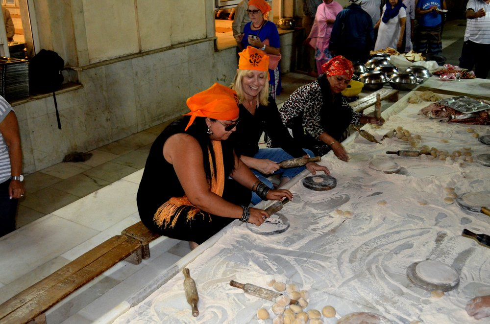 Bangla Sahib Gurudwara, Delhi (Community Kitchen 1).JPG