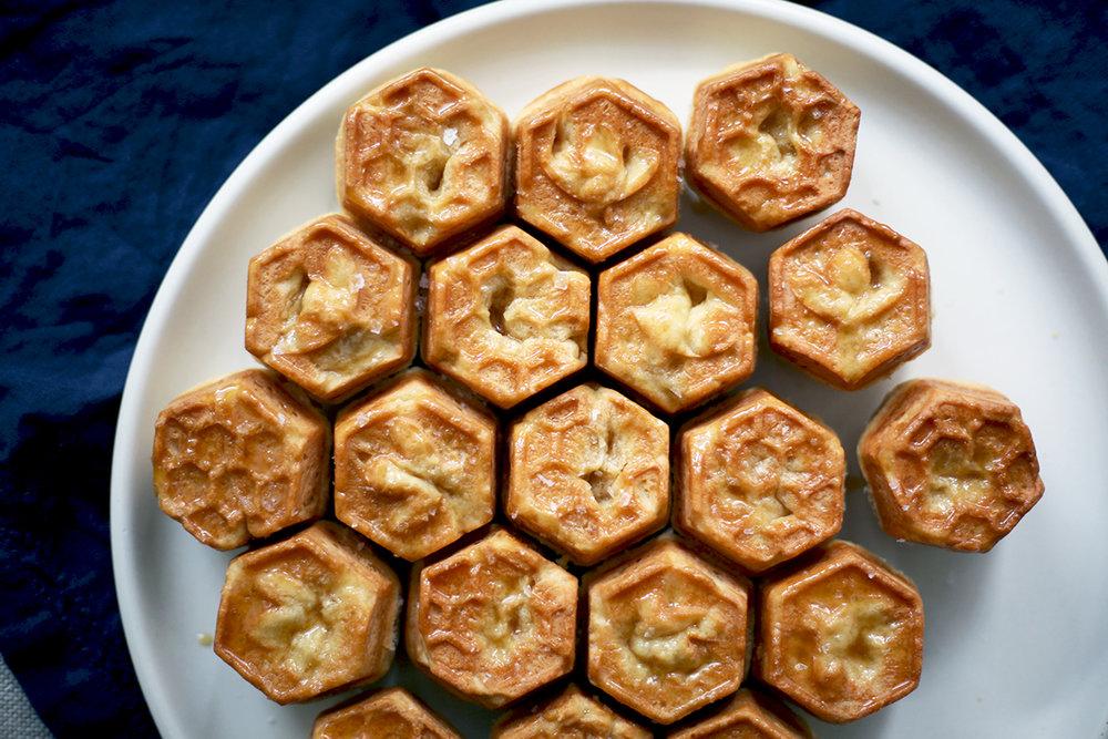 Bee Cake.jpg