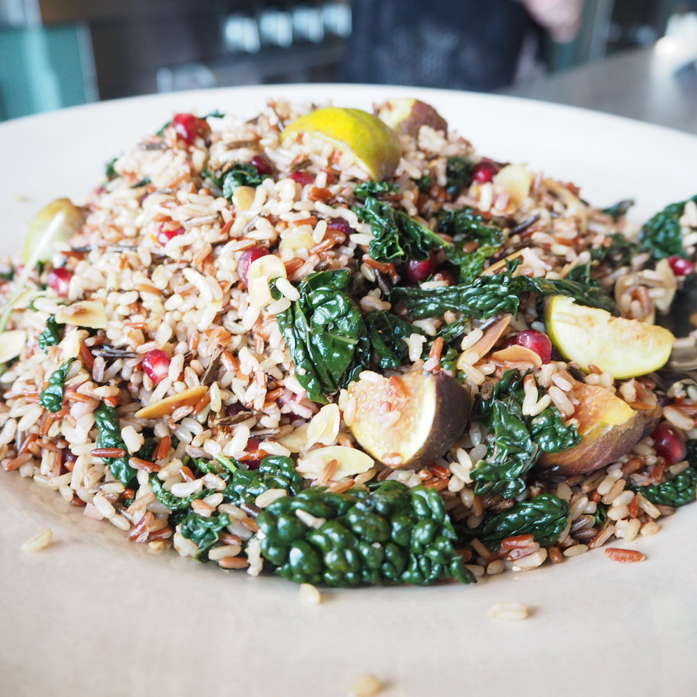 Healthy Kale, rice and fig salad