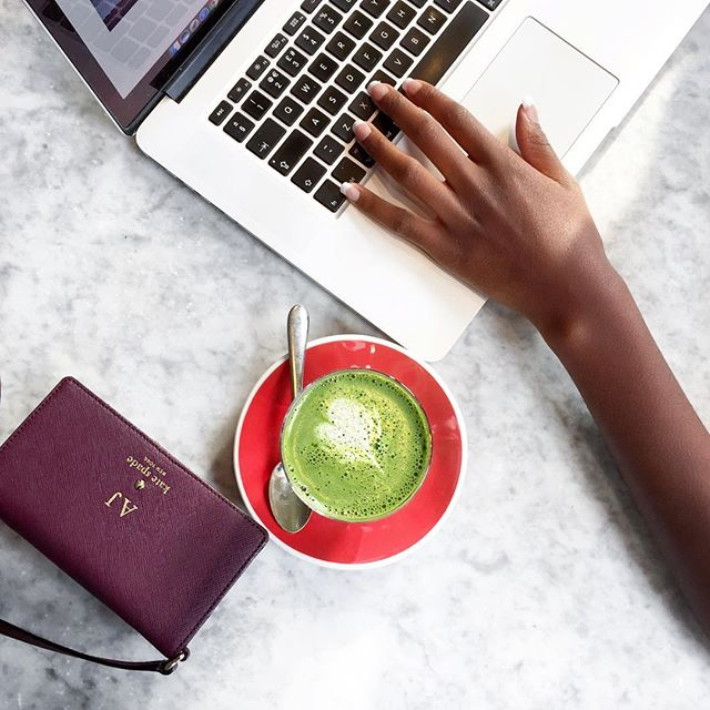 WORK IT 💻 A cup of positivity-tea with with @thelifestyleedit 💚 #matchalatte