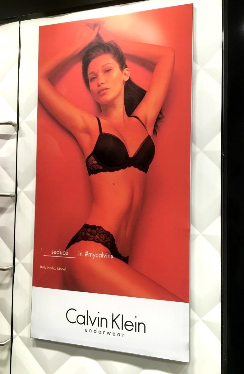Calvin Klein Wall-Mounted Matrix Frame