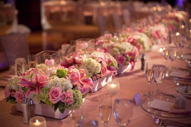 1. Wedding Banquet for 500 - table setting with pink roses