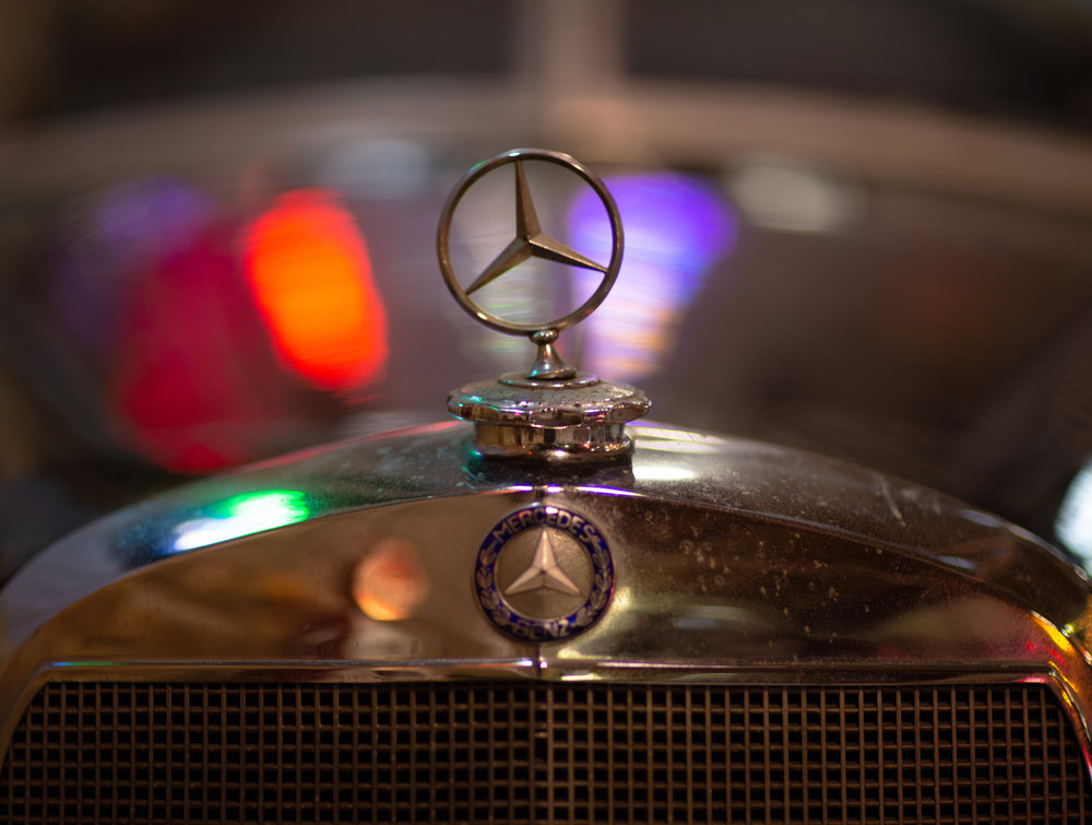 Mercedes-Benz ornament