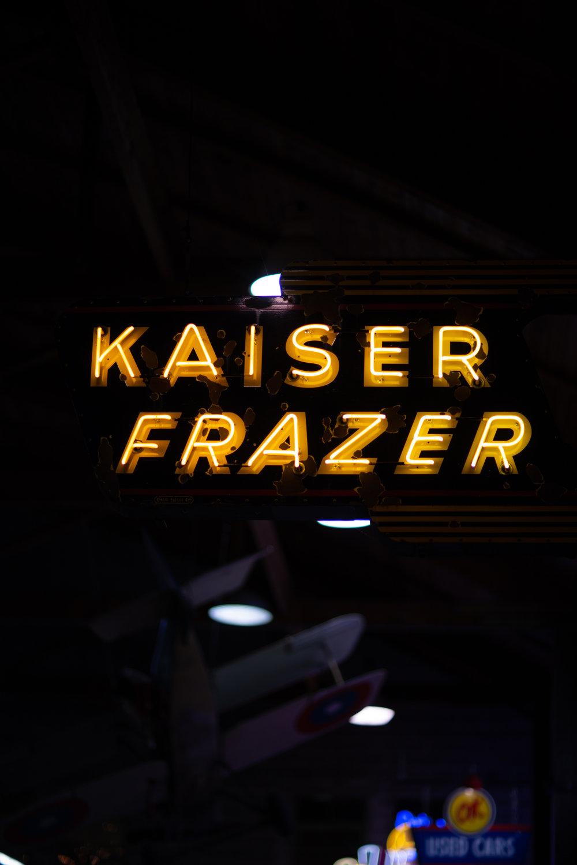 Kaiser Frazer neon
