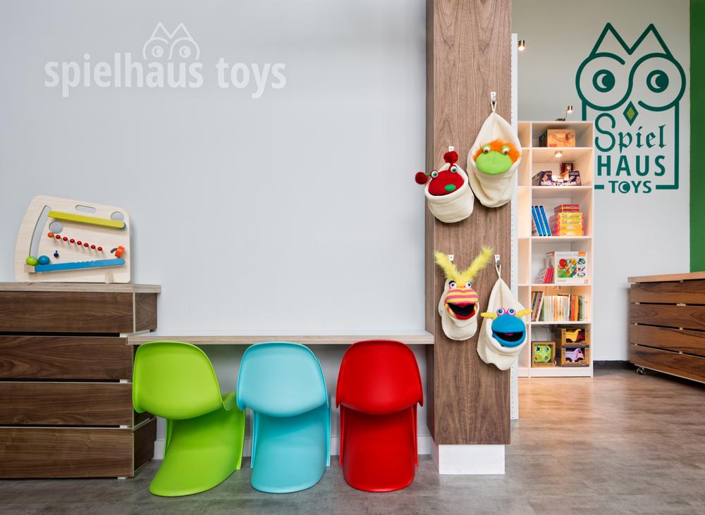 coG Spielhaus Toys (5 of 5).jpg