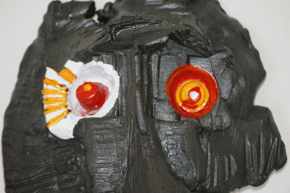 Los ojos, además de los espejos del alma, son ventanas a través de las cuales podemos percibir el grado de extravío de una persona, aunque nunca sepamos si está perdida o es que ha llegado a algún lugar desde el que se ríe de todo y de todos, mientras los demás nos creemos muy listos y equilibrados.