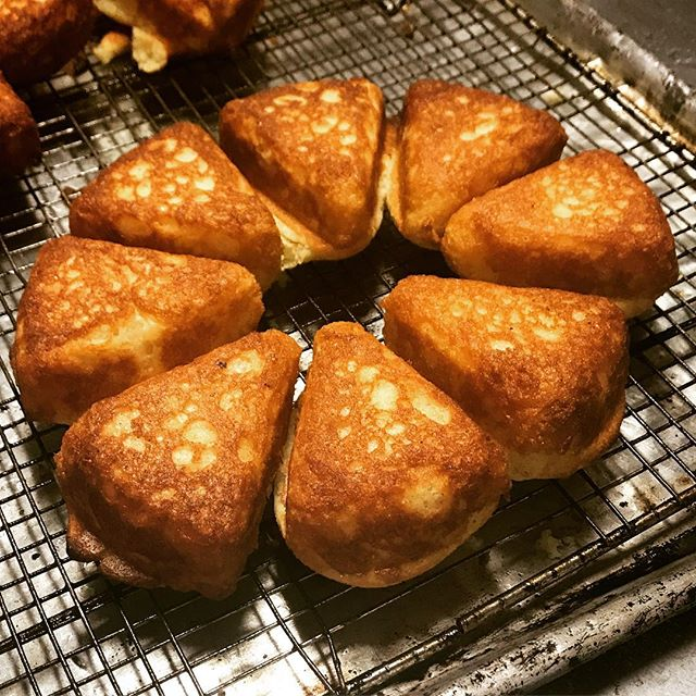 Life can always be made better by a hot skillet of cornbread! #southerncharm