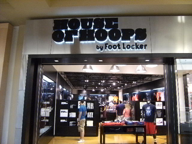 House of Hoops FootLocker.JPG
