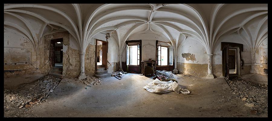 chateau des comtes de mauguio