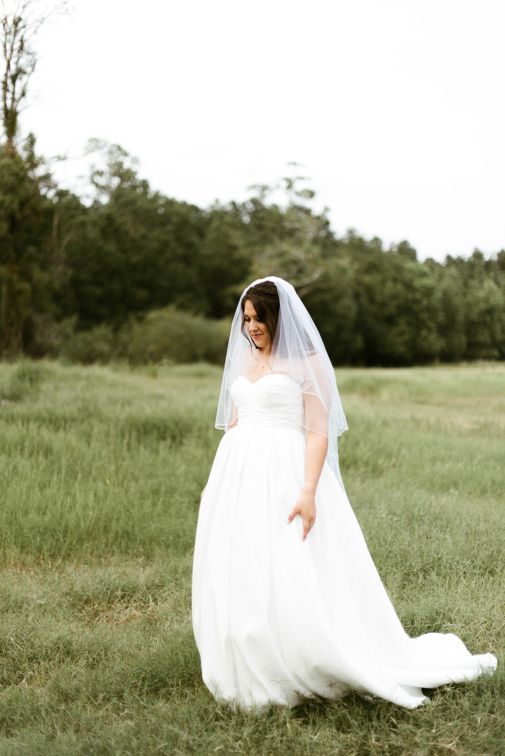 Atascocita Bridal Session | Natural Light Houston Photographer | www.jordanmitchellphotography.com