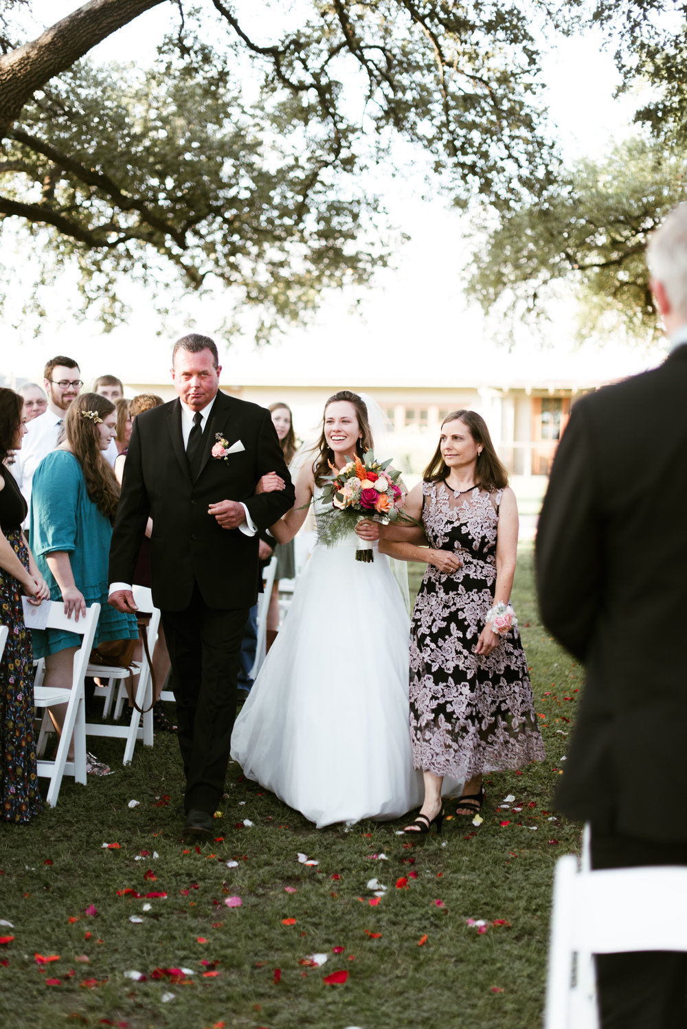 Henkel Hall Wedding, Round Top | Houston Natural Light Wedding Photographer | www.jordanmitchellphotography.com