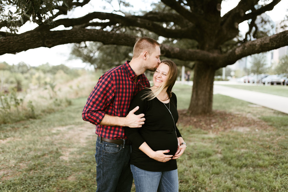 Houston Natural Light Photographer | Houston maternity session | www.jordanmitchellphotography.com