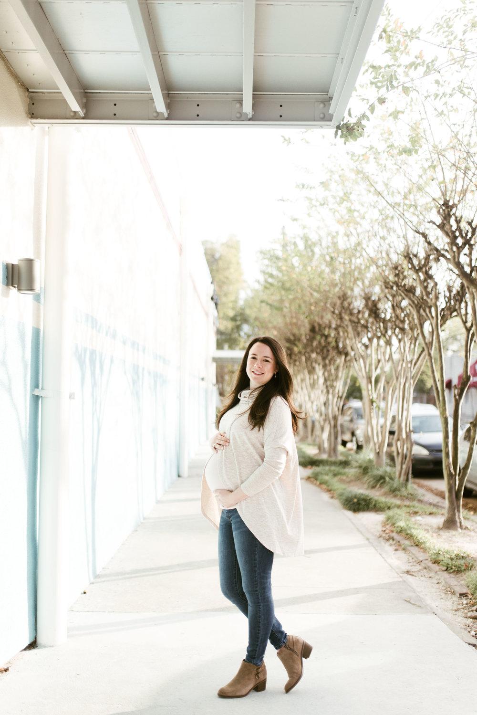 Houston Heights Maternity Session | Houston Natural Light Photographer | www.jordanmitchellphotography.com