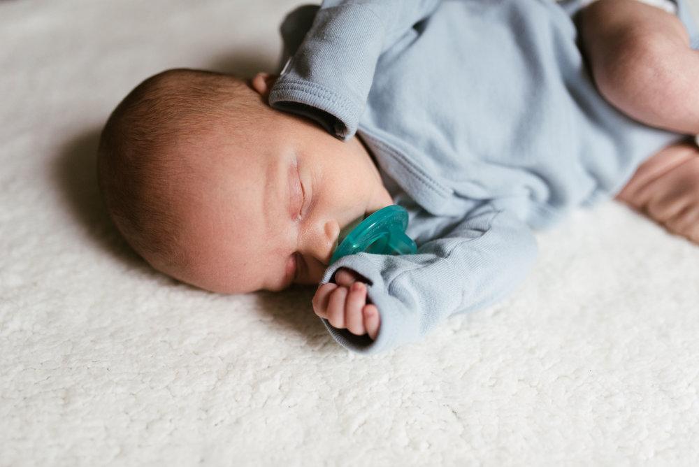 Sugar Land Lifestyle Newborn Session | Houston Natural Light Photographer | www.jordanmitchellphotography.com