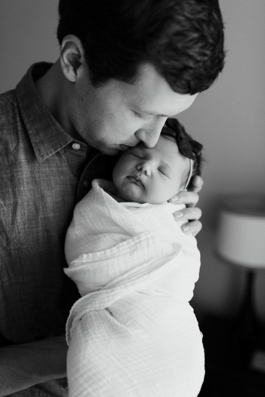 Houston Lifestyle Newborn Session | Fort Worth Lifestyle Newborn Photographer | www.jordanmitchellphotography.com