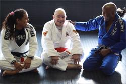 Professores Andre Terencio e Hannette Staack com o GrandeMestre Francisco Mansur