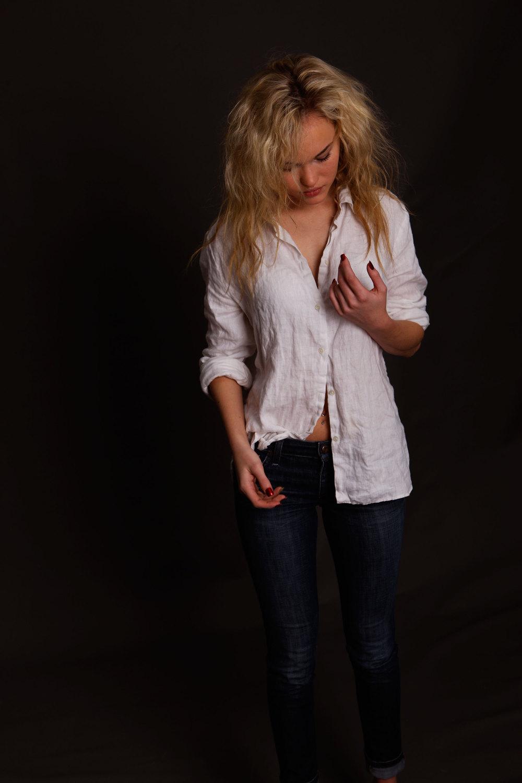 Blonde-white-shirt.jpg