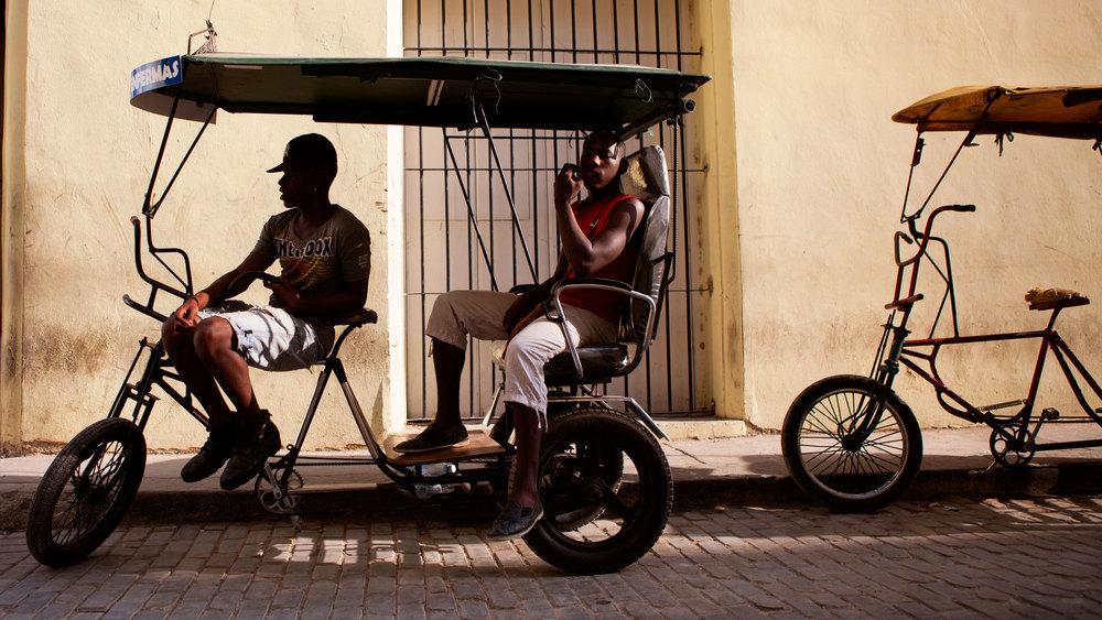 cubaprint7_pedicab-boys.jpg
