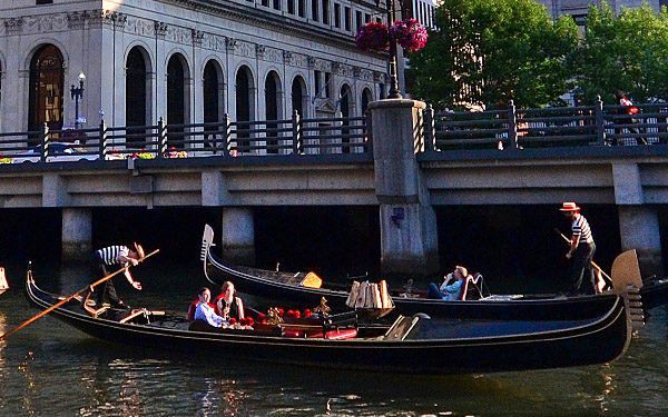 2boats.jpg