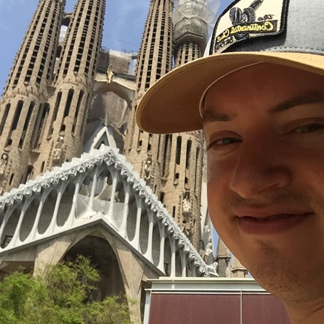 Me making a triumphant return to social media in Barcelona, the city of angels. #memakingatriumphantreturntosocialmediainBarcelonathecityofangels