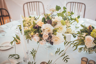 Centrepiece floral include dahlia, zinnia, trailing jasmine, rose, fennel seedhead, blackberry, smokebush, hawthorn, privet, amaranth and dried thistle.