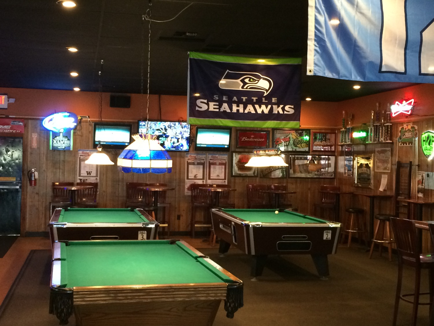Black Star Pub And Grill - Pool table and bar near me