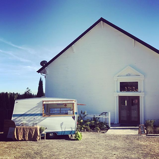 Perfect place for our last wedding of the season!  @the_old_schoolhouse is a beautiful venue in the middle of Oregon's Wine Country. We can't wait to come back next summer! . . . #wanderingspiritspdx #wanderingwedddingspdx #mobilepartycart #trailerbar #travelingbar #travelingbartender #weddingvendor #weddinginspo #wedddinginspiration #pdxwedding #pdxevents