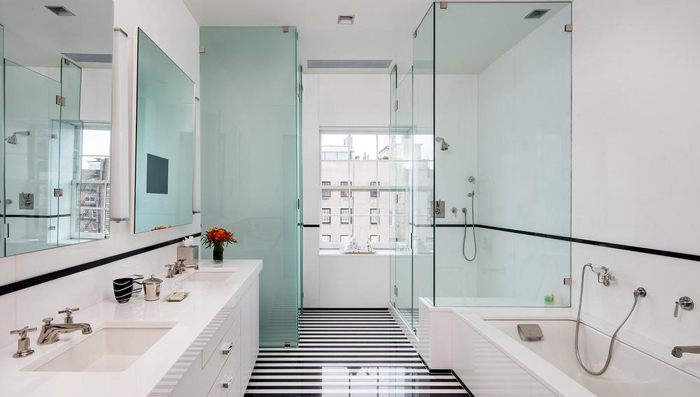 master-west-bath.jpg