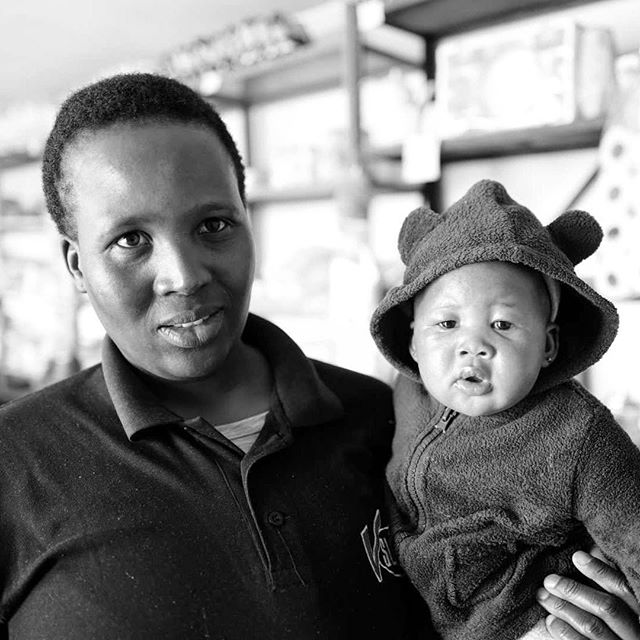 I now returned to #lesotho so frequently that I take part in people's life. Photographed the young mother and shop keeper / bartender before and during her pregnancy. And now she has a beautiful baby daughter. Mazeltov! #overlanding w/ @davidduchemin & @noseworthynotes
