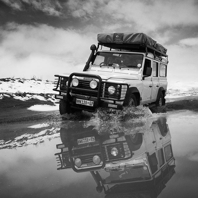 Time for Emma, our trusted Defender (c'mon, I know she gets the most likes on this particular account). Photo: @davidduchemin #lesotho #overlanding w/ @davidduchemin & @noseworthynotes cc @4x4adventuresafrica