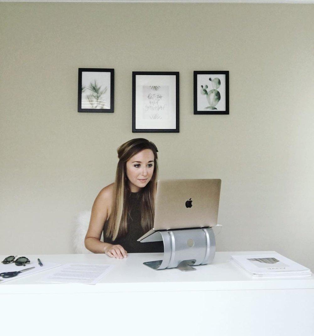 Lindsay Scholz   Social Media and Branding Strategies Designer