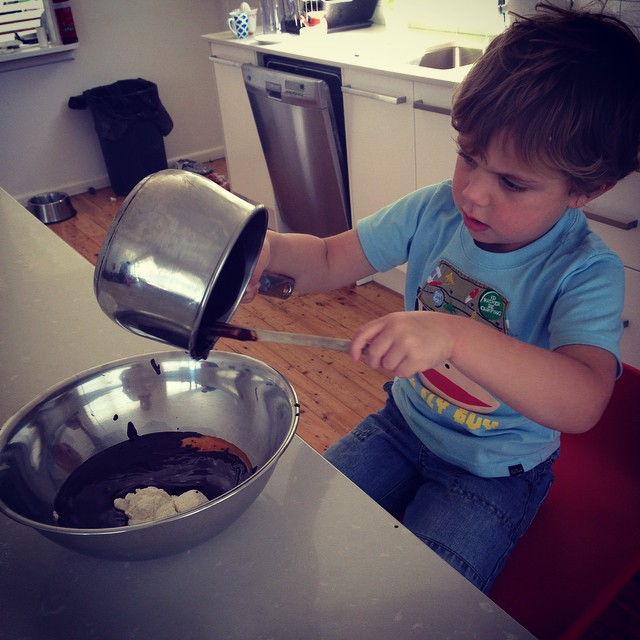 Kids cooking classes - making Chocolate cake